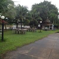 Photo taken at พศ2462 Borneo bar by Chayada K. on 9/15/2013