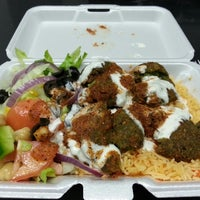 Photo taken at Rafiqi's Halal Food by Dorian L. on 1/13/2014