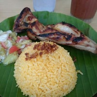 Photo taken at Bacolod Chicken Inasal by Gianine P. on 5/16/2015