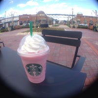 Photo taken at Starbucks by Argie G. on 4/20/2015
