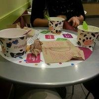 Photo taken at Menchie's Frozen Yogurt by Maria Elena A. on 2/2/2014