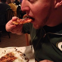 Photo taken at Sammy's Pizza & Italian Restaurant by Leslie C. on 10/7/2012
