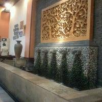 Photo taken at Ikan Bakar Cianjur (IBC) by Grace C. on 4/1/2013