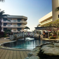 Photo taken at Imperial Hua Hin Beach Resort by Hannu K. on 12/27/2012