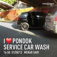 Photo taken at Pondok Service Car Wash by Arief B. on 8/31/2013