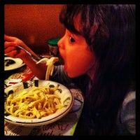 Photo taken at Olive Garden by Dennys C. on 12/29/2012