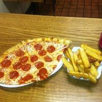 Photo taken at Bravo Pizzeria by Donald W. on 3/27/2013