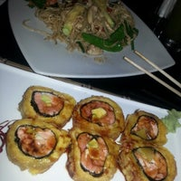 Photo taken at Zen Sushi, Ostras & Ceviche by Marie B. on 2/25/2014