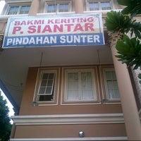 Photo taken at Bakmi Keriting Pematang Siantar by Pohan on 10/18/2012