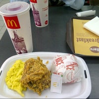Photo taken at McDonald's by Dinda A. on 9/1/2013