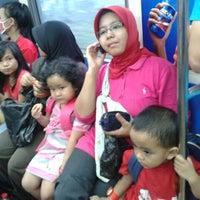 Photo taken at Commuter Line Tanah Abang-Serpong @Jalur 6 by Dedi N. on 5/26/2013