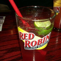 Photo taken at Red Robin Gourmet Burgers by Sarah E. on 11/20/2012