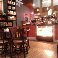 Photo taken at Park Avenue Coffee by Angel M. on 12/23/2012
