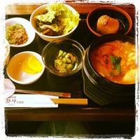 Photo taken at 韓国家庭料理 はな by Shimazaki E. on 12/24/2013