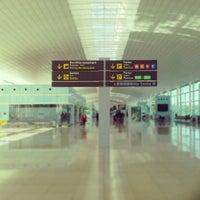 Photo taken at Barcelona–El Prat Airport (BCN) by Lipe F. on 11/20/2013
