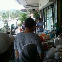 Photo taken at Santai Restaurant (TTDI) by Abdul Razak S. on 10/6/2012