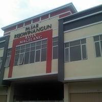 Photo taken at Pasar Rejowinangun by Kresna on 12/25/2013