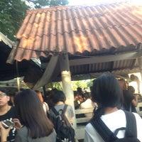 Photo taken at ท่ารถตู้มธ.รังสิต - อนุสาวรีย์ฯ/ฟิวเจอร์ฯ (TU-Future Park Rangsit/Victory Monument Van Stop) by Natchanon D. on 11/4/2016