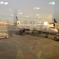 Photo taken at Gate A5 by M.J on 11/20/2012