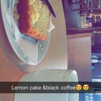 Photo taken at Starbucks by Binqrais on 6/5/2014