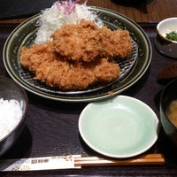 Photo taken at Tonkatsu Wako by Htin Kyaw L. on 9/19/2012