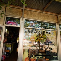 Photo taken at Graveface Records & Curiosities by Bikabout on 5/3/2016