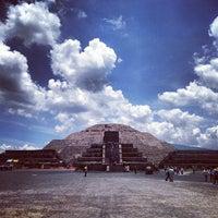 Photo taken at Zona Arqueológica de Teotihuacán by Fernando M. on 7/10/2013
