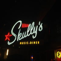 Photo taken at Skully's Music Diner by Shane D. on 9/21/2012