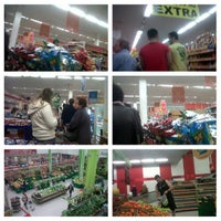 Photo taken at Extra Hiper by Frankie R. on 7/10/2013