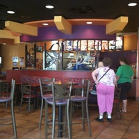Photo taken at Taco Bell by Byron S. on 8/3/2011