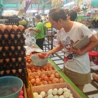 Photo taken at Pracha Niwet 1 Market by Kittiphong B. on 4/27/2013