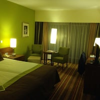 Photo taken at Bilderberg Hotel De Keizerskroon by Henri v. on 11/7/2014