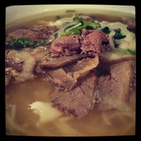 Photo taken at Pho Hung by Edmond W. on 6/20/2013