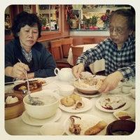 Photo taken at De Fu Seafood Restaurant 德福點心皇 by Edmond W. on 5/12/2013