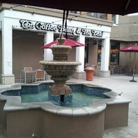 Photo taken at The Coffee Bean & Tea Leaf by Summer O. on 4/30/2013