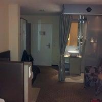 Das Foto wurde bei Boutiquehotel Stadthalle von Edus K. am 9/15/2012 aufgenommen