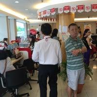Photo taken at Public Bank by Lim K. on 8/11/2016
