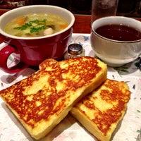 Photo taken at CAFE AALIYA by Hiroshi F. on 5/11/2013