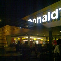 Photo taken at McDonald's / McCafé by Nadilah L. on 6/21/2013