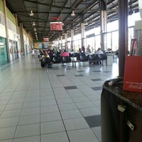 Photo taken at Terminal Rodoviário Internacional de Itajaí (TERRI) by Ra F. on 4/30/2013