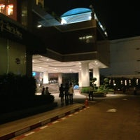 Photo taken at Chaophya Park Hotel by Por L. on 1/9/2013