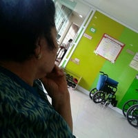 Photo taken at Kanya Physical Therapy Clinic by Jiraporn T. on 7/30/2013