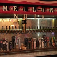 Photo taken at Mellow Mushroom by Josh E. on 3/10/2016