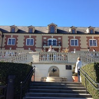 Photo taken at Domaine Carneros by Elina on 12/27/2012