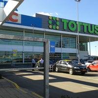 Photo taken at Tottus by Niki G. on 7/11/2013