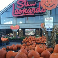 Photo taken at Stew Leonard's by Anna on 10/11/2012