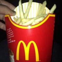 Photo taken at Mc Donald's by Vanessa Canelon on 11/21/2012
