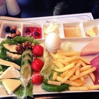 Photo taken at Joy Usluoğlu by Alice💕 on 12/23/2012