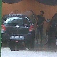 Photo taken at Pondok Service Car Wash by Margo S. on 10/10/2013