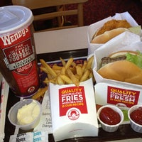 Photo taken at Wendy's by Atheer A. on 10/26/2012